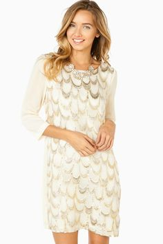 Gatsby shift dress ( pretty much just almonds on a dress :) Look Fashion, Fashion Outfits, Womens Fashion, Pretty Dresses, Beautiful Dresses, Mode Chic, Dress Me Up, Passion For Fashion, Dress To Impress