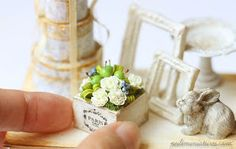 I'm excited to show you my latest piece of work which I combined crispy green mini apples and a simple white flower arrangement to make a b...
