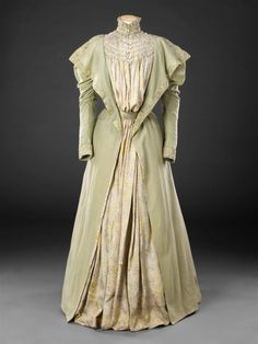 Tea Gown, 1890s — The John Bright Collection