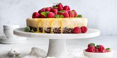 Enkel iskake med pasjonsfrukt og sjokoladebunn -