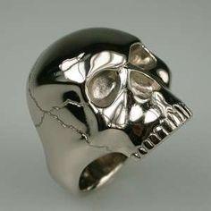 * Gold Skull Ring *
