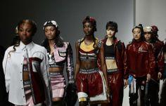 Fashion-Week London: Mode des britischen Designers Nasir Mazhar (Bild: EPA)