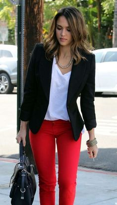50 Amazing Casual Work Attire to Wear This Winter - Business Casual Outfits for Women Red Pants Outfit, Blazer Outfits Casual, Casual Work Attire, White Pants Outfit Spring Work, Casual Summer Outfits For Work, Blazer Outfits For Women, Business Casual Outfits For Women, How To Wear Casual, Red Pants Summer