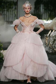 f574aa24fb5d Christian Dior Fall 2005 Couture collection