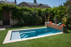 Jacuzzi, Piscine Simple, Simple Bungalow House Designs, Mid Century Exterior, Small Pool Design, Swiming Pool, Pump House, Modern Pools, Small Pools