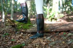 Nydelige støvler fra Chiara Bellini. Italiensk design og kvalitet! #stiligestøvler #støvler #rainboots #chiarabellini #Italianstyle #ridingboots #mote #fashion