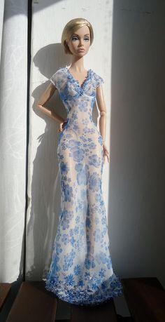 Full shot of the dress!