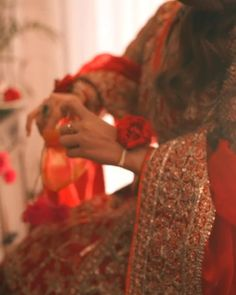 Song Quotes, Song Lyrics, Lonely Girl Photography, Indian Wedding Songs, Party Wear Long Gowns, Bridal Makeup Images, Pakistani Songs, Beautiful Indian Brides, English Story