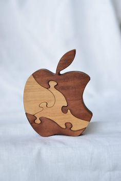 Apple Wooden puzzle, Natural Baby Toy, Montessori Toy, Educational Toy, Wooden toy, Toddler wood Toy, Kids gifts, Mothers day, Fathers day. This puzzle set fun and educational and were made to develop kids logical thinking and encourages creative play. Also it develop motility of