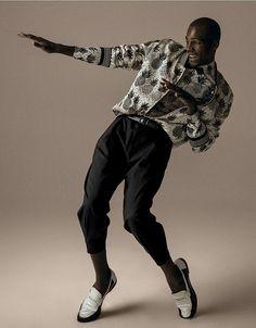 Dê até logo para as calças skinny. As modelagens agora são amplas e folgadas – o tal loose fit –, com um toque retrô que até Pharrell aprovaria (Foto: Zee Nunes)