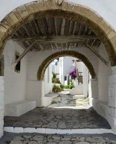 Greece Vacation, Greece Travel, Santorini Villas, Myconos, Greece Islands, Acropolis, Architectural Features, Ancient Greece, Island Life