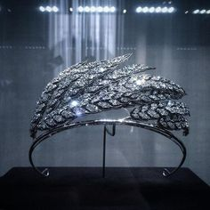"""Chaumet wheat tiara, at the presentation of the new """"Josephine"""" high jewelry collection. Pageant Crowns, Tiaras And Crowns, Glass Display Case, Diamond Tiara, Rings N Things, Chaumet, Still In Love, High Jewelry, Headgear"""