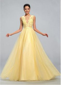 Chic Tulle & Lace Jewel Neckline Floor-length A-line Prom Dress