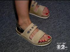 Fashion expert Dawn Del Russo shared the trends she's loving with CBS Dave Carlin. Fashion Tv, Cbs News, Dawn, Trends, York, My Style, Spring, Heels, Heel