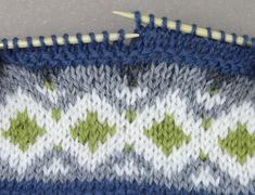 Knit Patterns, Mittens, Knitted Hats, Diy And Crafts, Projects To Try, Quilts, Blanket, Knitting, How To Make