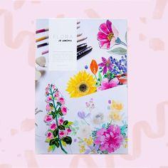 """""""Flora"""" es un libro con 24 diseños florales dibujados por Jo Jiménez. Puedes utilizarlo para colorear con técnicas mixtas como lápices de colores, plumones, acrílico y hasta acuarela –sin exceso de agua–, o usar los diseños para traspasarlos a tus proyectos textiles. Todas las hojas interiores vienen con prepicado, para que puedas retirarlos y utilizarlos como tú quieras (hasta puedes enmarcarlos!) Textiles, Floral Design, Free Coloring, Florals, Leaves, Water, Book, Watercolor Painting, Fabrics"""