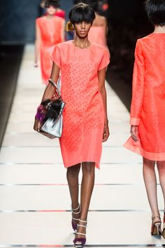 Fendi+Spring+2014+RTW+-+Review+-+Fashion+Week+-+Runway,+Fashion+Shows+and+Collections+-+Vogue