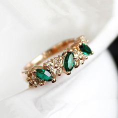Jewelry, Rings Cute vintage Emerald Crystal Retro Sweet Angel