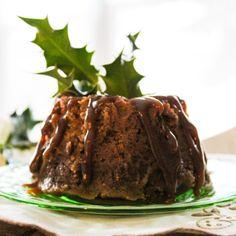 Christmas Figgy Pudding Traditional Christmas Pudding Recipe, Traditional Christmas Food, Fig Cake, Christmas Desserts, Christmas Foods, Christmas Treats, Christmas 2019, Pudding Recipes
