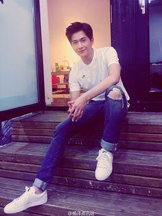 Happy birthday to YangYang Asian Boys, Asian Men, Asian Actors, Korean Actors, Yang Chinese, Yang Yang Actor, Daughter Love Quotes, Wei Wei, Crush Pics