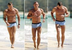 Daniel Craig Workout: How He Got Jacked to Play James Bond Daniel Craig James Bond, Daniel Craig Workout, Daniel Graig, Best Bond, James Bond Movies, High Intensity Interval Training, Sexy Men, Sexy Guys, Showgirls