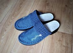 Вязаные сабо. Denim Shoes, Baby Shoes, Slippers, Sandals, Kids, Fashion, Bags, Pattern, Young Children