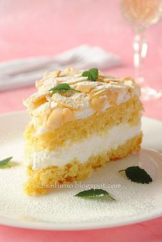 Meringue Cake with Whipped Cream and White Wine Filling