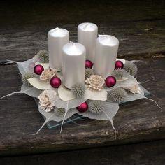 svícen na příní Vánoční svícen.