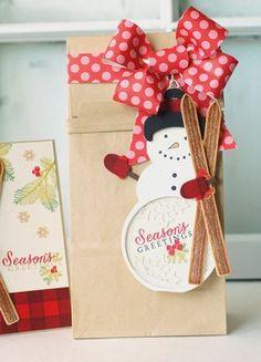Snowman Gift Bag by Betsy Veldman for Papertrey Ink (September 2013)