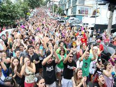 Nóis Trupica Mais Não Cai desfila no domingo, dia 23 de fevereiro, na Vila Madalena. O bloco sai da Rua Belmiro Braga e continua pelas ruas Ignácio Pereira da Rocha, Mourato Coelho, Aspicuelta, Fidalga, Purpurina e Harmonia. O evento é gratuito.