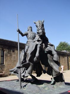 Statue of Sir Henry Percy (Harry Hotspur), Alnwick Castle ...
