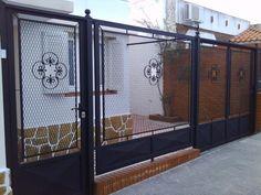 Grill Door Design, Fence Design, Iron Gates, Iron Doors, Old Garden Gates, Metal Work Bench, Expanded Metal, Lounge Chair Design, Metal Structure