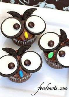 Owl cupcakes using oreos and an m