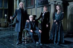The Malfoy Family (Lucius, Narcissa and Draco) with Bellatrix Lestrange. Harry Potter Cosplay, Harry Potter Cast, Harry Potter Characters, Harry Potter Universal, Harry Potter Fandom, Harry Potter World, Draco Malfoy, Hermione Granger, Slytherin