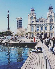 Barcelone ... 🎈  #life #lifestyle #likeforfollow #likeforlike #like4like #love #barcelona #barca #travel #travelgram #travelphotography #instagood #instalike #instagram #street #streetart #vsco #vscocam #vscogram