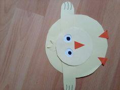 Papírové Velikonoční kuře.