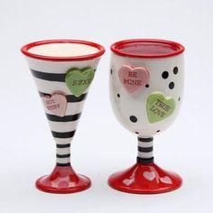 Valentine Heart, Valentine Day Gifts, Valentines, Salt Pepper Shakers, Salt And Pepper, Pepper Mills, I Love Diy, Gadgets, Hand Painted Ceramics