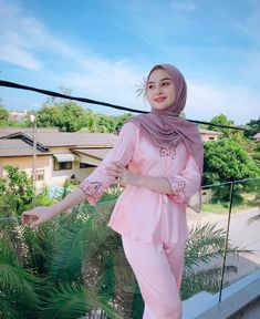 Image may contain: 1 person, standing and outdoor – Hijab Club Big Fashion, Hijab Fashion, Fashion Beauty, Fashion Outfits, Beautiful Muslim Women, Beautiful Hijab, Girl Hijab, Hijab Outfit, Kebaya Muslim