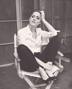 black + white hepburn-y outfit.