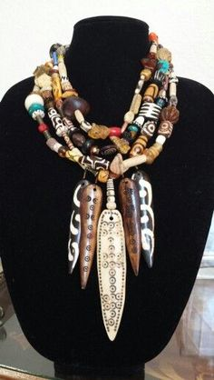 Stack those tribal / ethnic necklaces Clay Jewelry, Jewelry Art, Beaded Jewelry, Jewelry Necklaces, Beaded Necklace, Jewelry Design, Unique Jewelry, Necklace Set, Jewellery