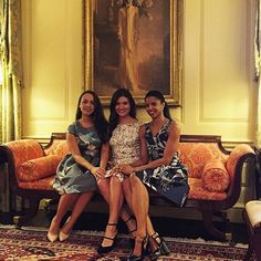 Renee Elise Goldsberry looking lovely in SUNO while performing at the White House.