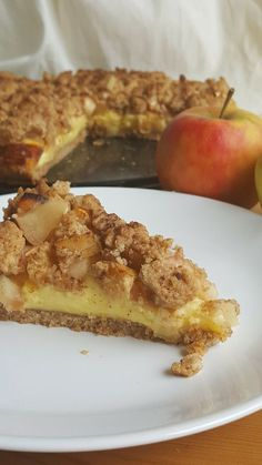 Baking apple and walnut cake: a simple recipe - Utopia. Walnut Cake, Cake Recipes From Scratch, Baked Apples, Food Cakes, No Bake Cake, Sweet Recipes, Sweet Treats, Food And Drink, Easy Meals