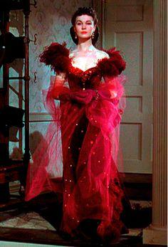 Vivien Leigh- Scarlett's red vixen dress  absolutely stunning!