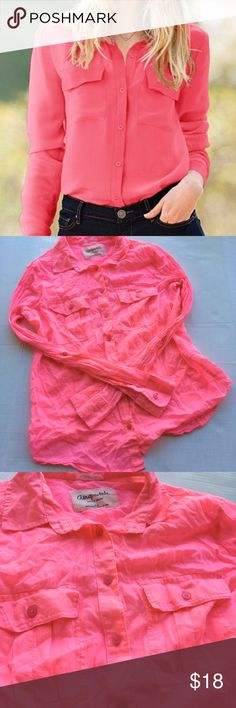 Pretty in Pink Button Down Shirt 💕 Really beautiful shade of pink! Don't worry about the wrinkles I always steam everything before packaging. 😉 Aeropostale Tops Button Down Shirts