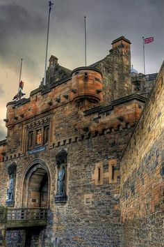 Edinburgh Castle, Scotland! Truly an amazing castle as well as an amazing city to explore!