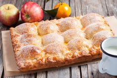 Фото к рецепту: Пирог из творожного теста с яблоками