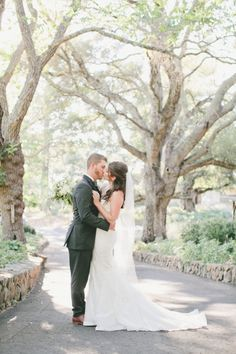Cali couple: http://www.stylemepretty.com/little-black-book-blog/2014/11/07/south-african-winemaker-marries-in-napa/ | Photography: onelove - http://www.onelove-photo.com/