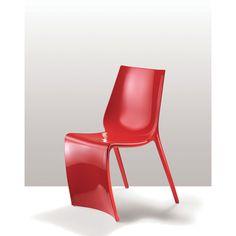Pedrali Silla Smart Diseñador: Marco Pocci & Claudio Dondoli. Fabricada completamente en nylon. Silla con una linea muy original. Patas delanteras en forma de vela.