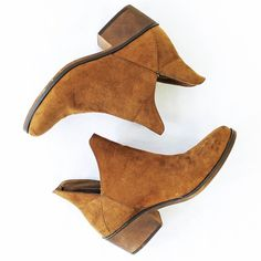 Tired of wearing sandals all summer? Try something new and change up your summer dress with a pair of ankle boots! #fashion #freestylefind #shoes #boots #style