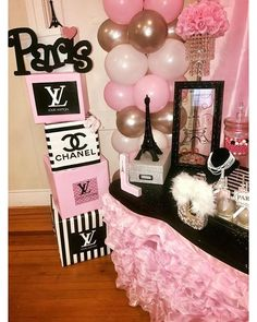 Simple Sweet 16 Party Ideas on a Budget - Dessert Table Paris themed candy Table Chanel Party, Chanel Birthday Party, Paris Themed Birthday Party, Paris Birthday Themes, Themed Parties, Paris Party Decorations, Birthday Party Decorations, Paris Party Themes, Paris Theme Centerpieces